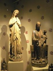 Den berömda Öjamadonnan och madonnan från Visby domkyrka.