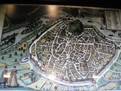Modell av det medeltida Avignon - men senare än när Mikael och Anselm är dr.