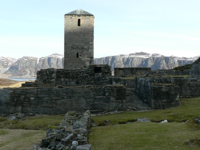 Ruinerna av klostret med kyrkan underhålls och rekonstrueras.