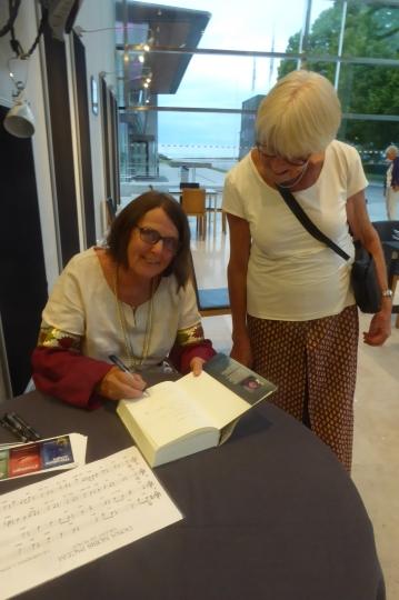 Första signeringen av Örnflöjten i Visby.